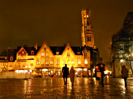 A cold winter night in Bruges, Belgium